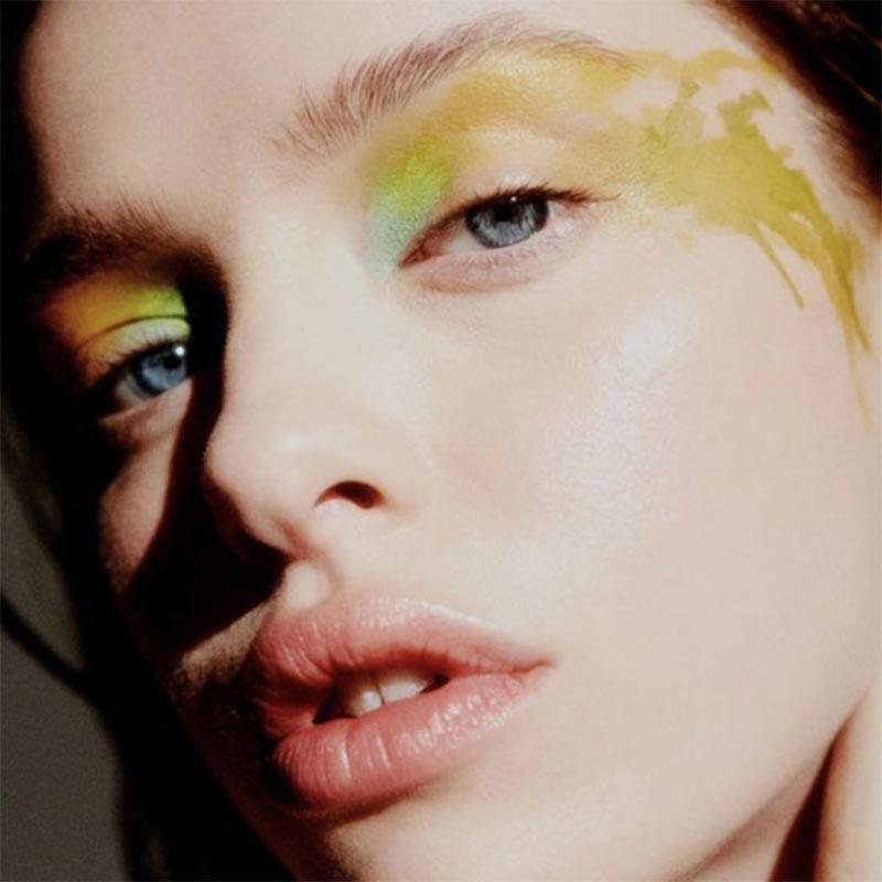 Masterclass Fashion Week Make-up by MAC Senior makeup artist Hannah Bennett